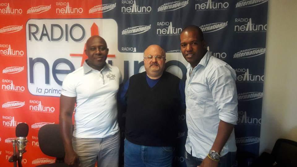 """Ronald Duarte e Frank Montieth negli studi di Radio Nettuno Bologna insieme a Simone Motola, conduttore del programma radiofonico """"Scusate l'Interruzione"""""""