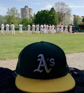 Athletics Bologna schierati per l?inno prima di Gara1 contro il Grosseto