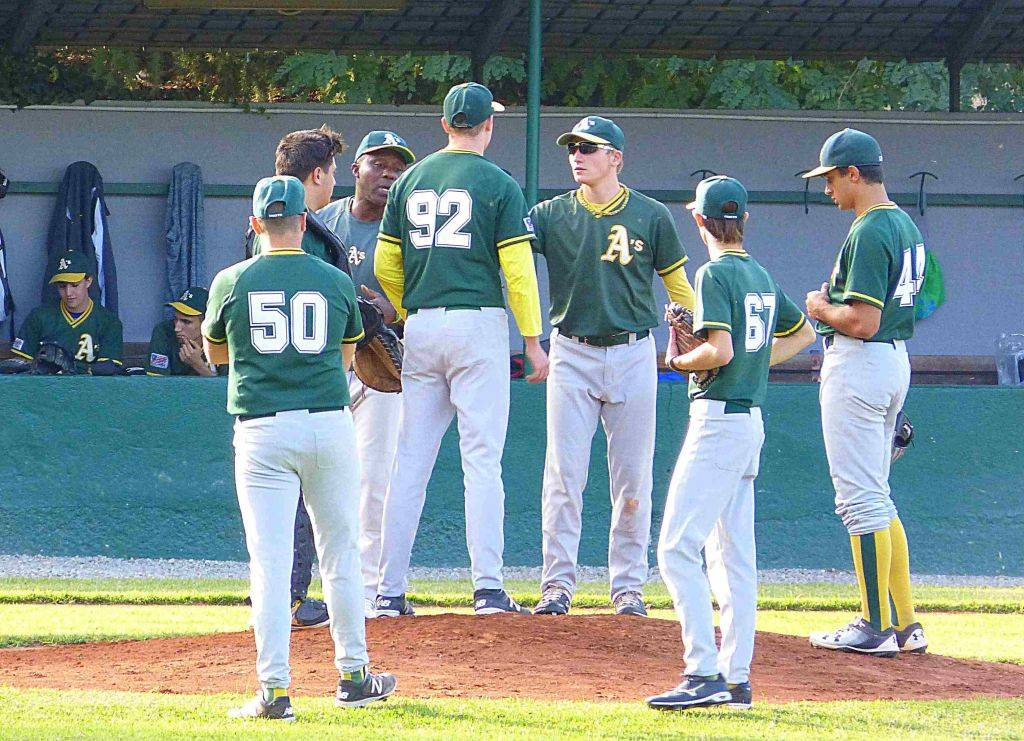 Ufficiale nazionale di baseball di incontri di squadra Guida